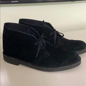Clark's desert boot black suede 9.5 EUC